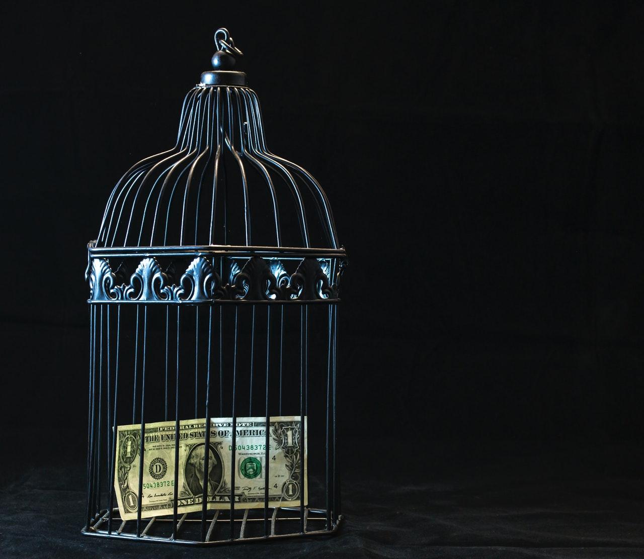 ocena-ryzyka-prania-pieniedzy-i-finansowania-terroryzmu